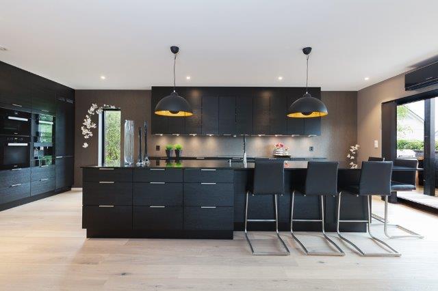 Du finner mange som kan hjelpe deg med å oppgradere kjøkkenet ditt ...