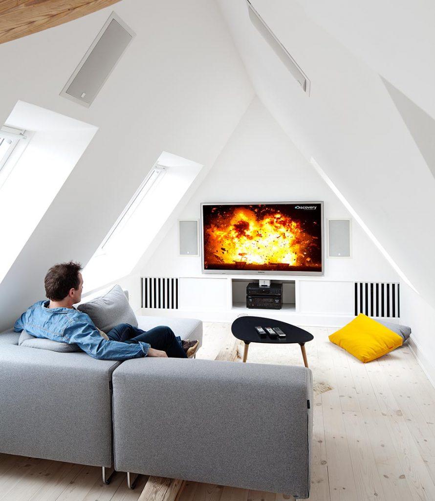 Stadig flere ønsker smarte hjem med integrerte lydløsninger i veggen eller taket.